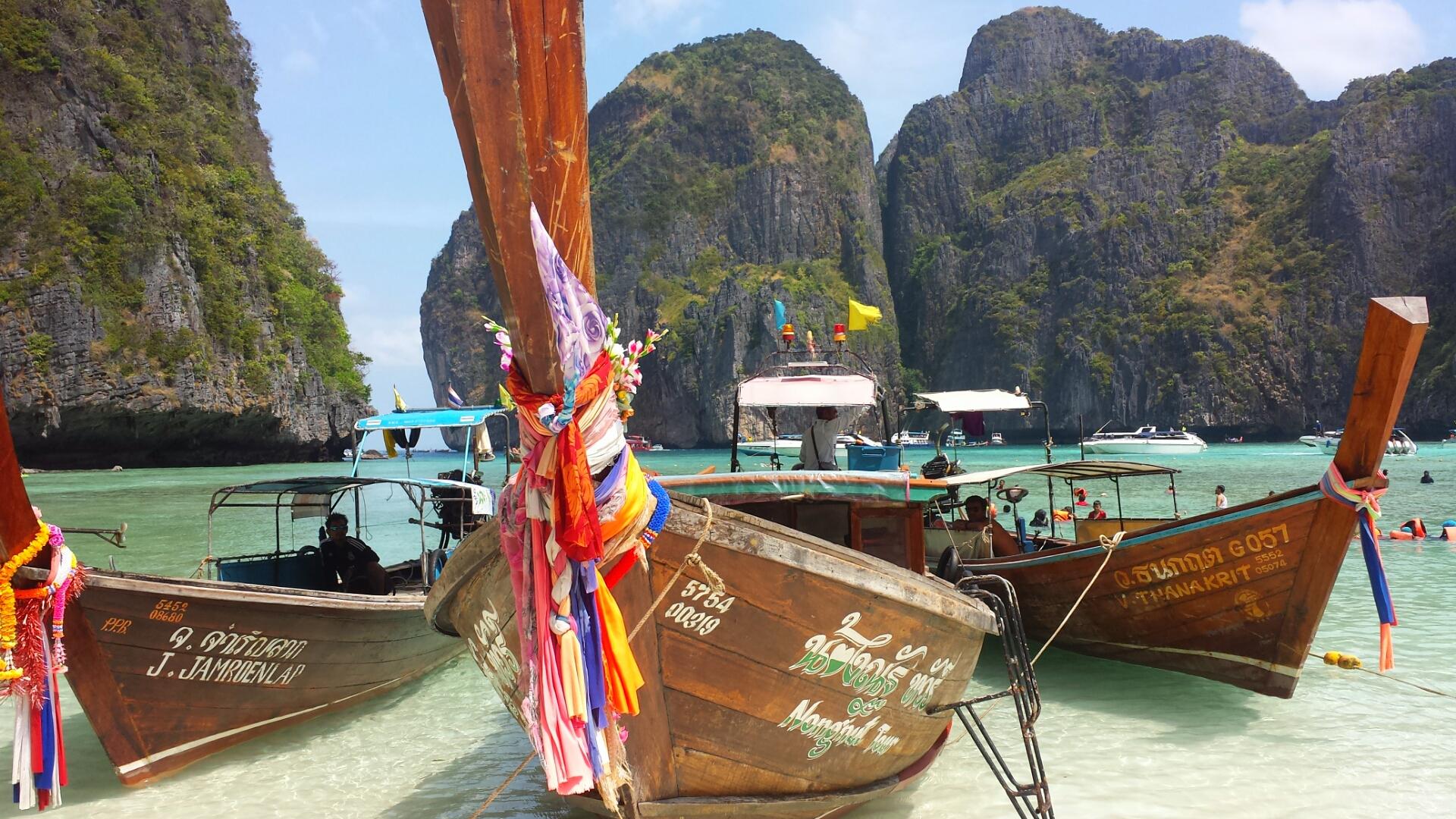 Maya_Bay_Phuket_Thailand