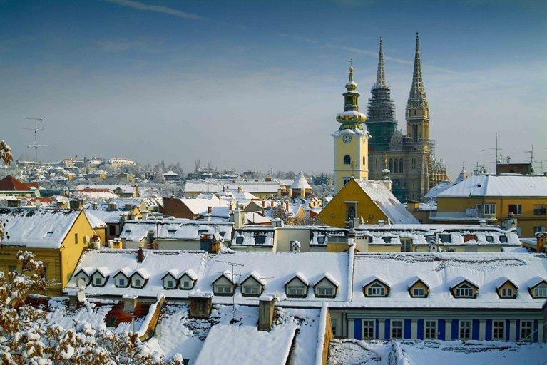 Europes_Prettiest_Winter_Towns