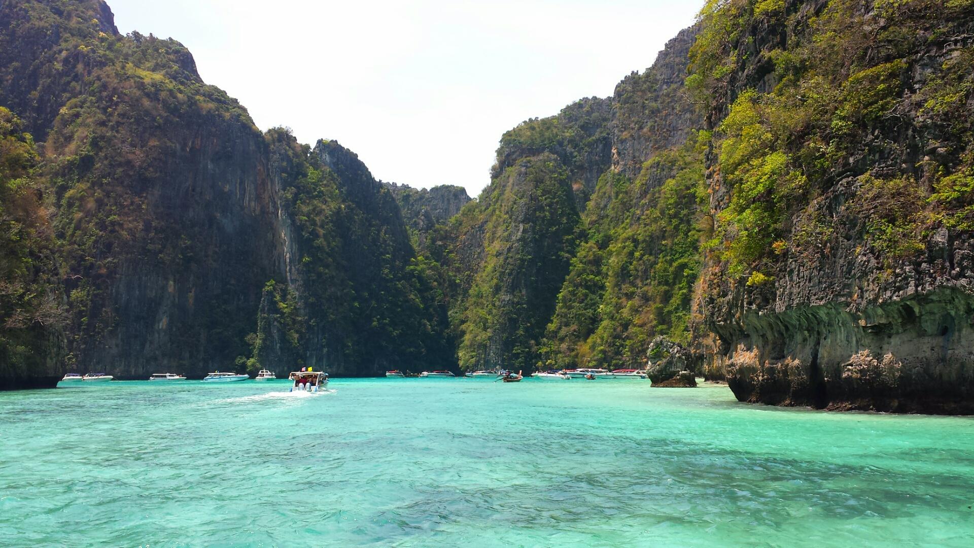 Loh Samah Bay_Pileh_Cove_Phuket_Thailand