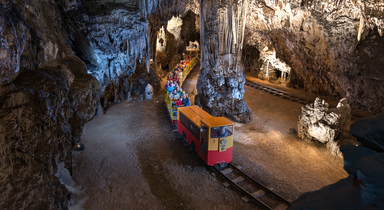Postojna Yama Caves_Slovenia