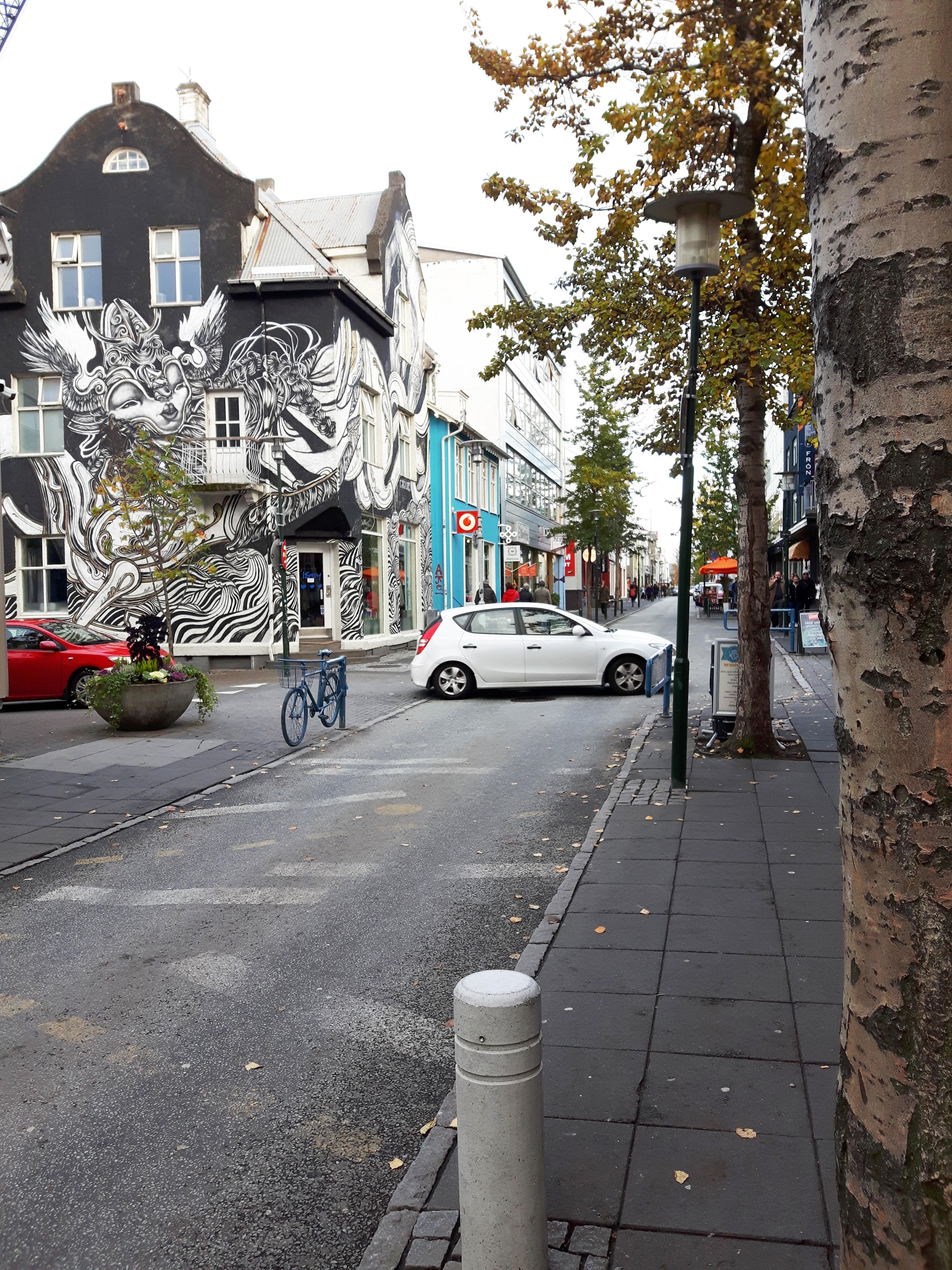 Streets_of_Reykjavik_Iceland