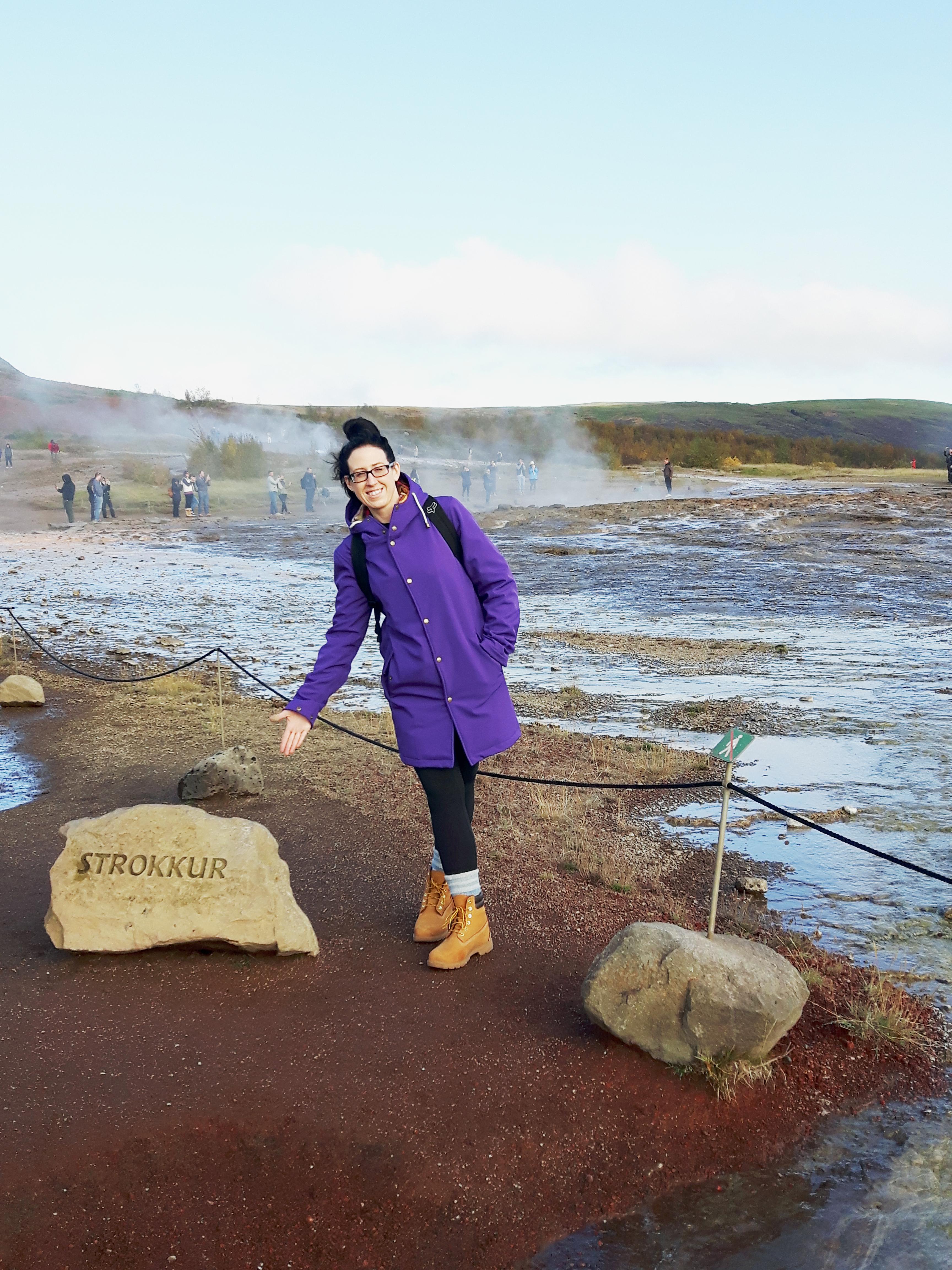 Strokkur_Geysir_Golden_Circle_Iceland