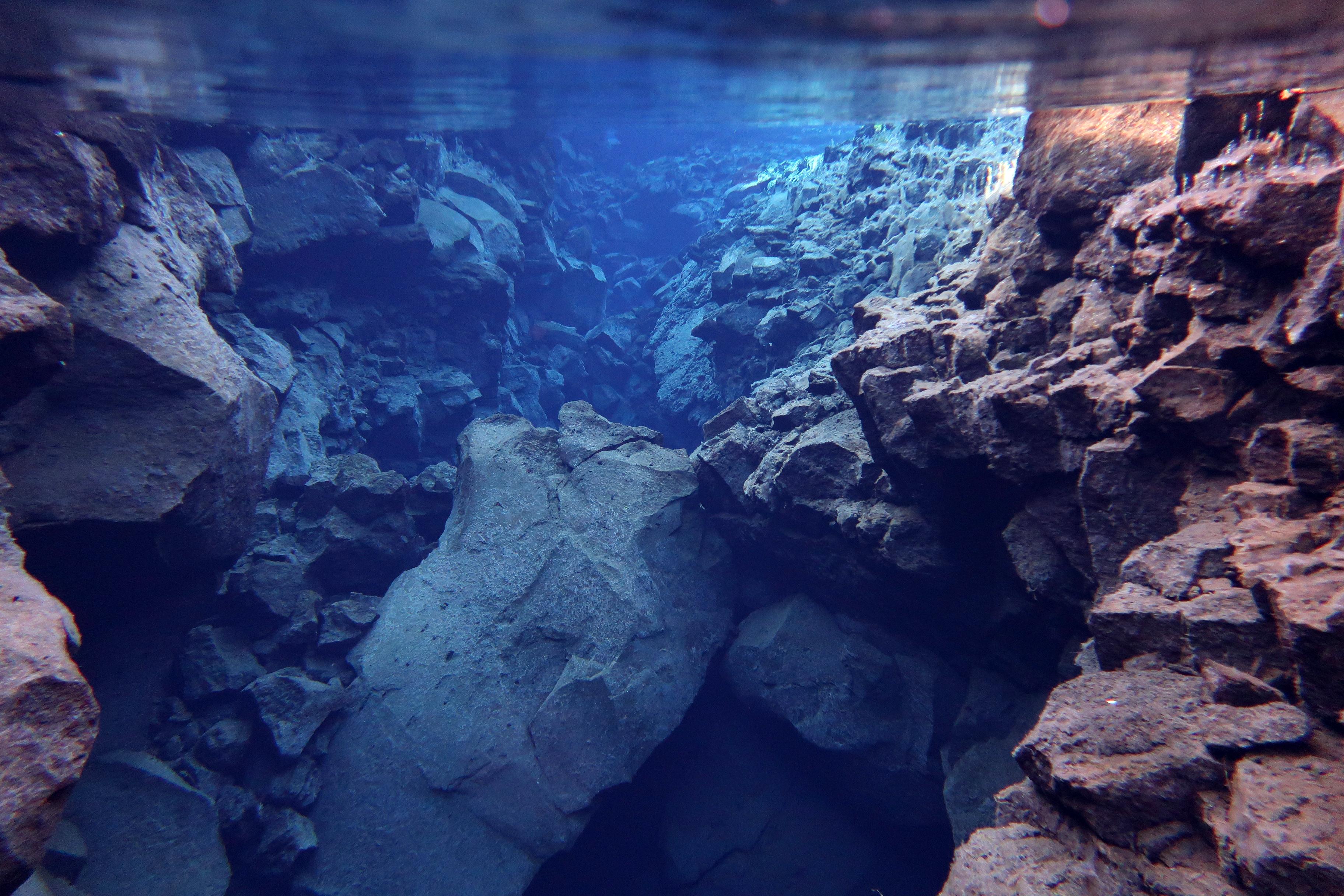 Snorkeling_Silfra_Fissure_DiveIS_Iceland
