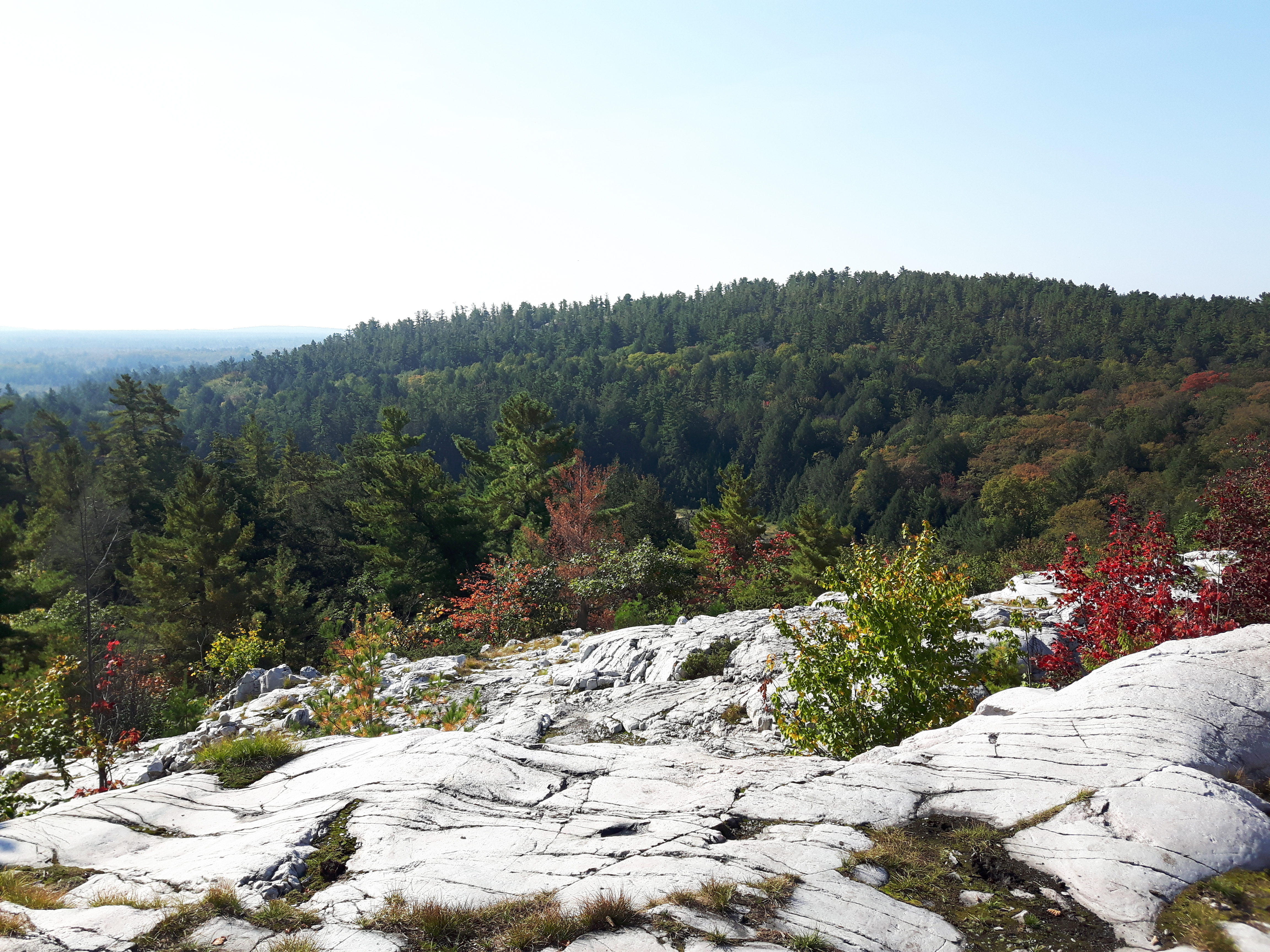 Hiking_the_Crack_Killarney_Provincial_Park_Ontario_Canada