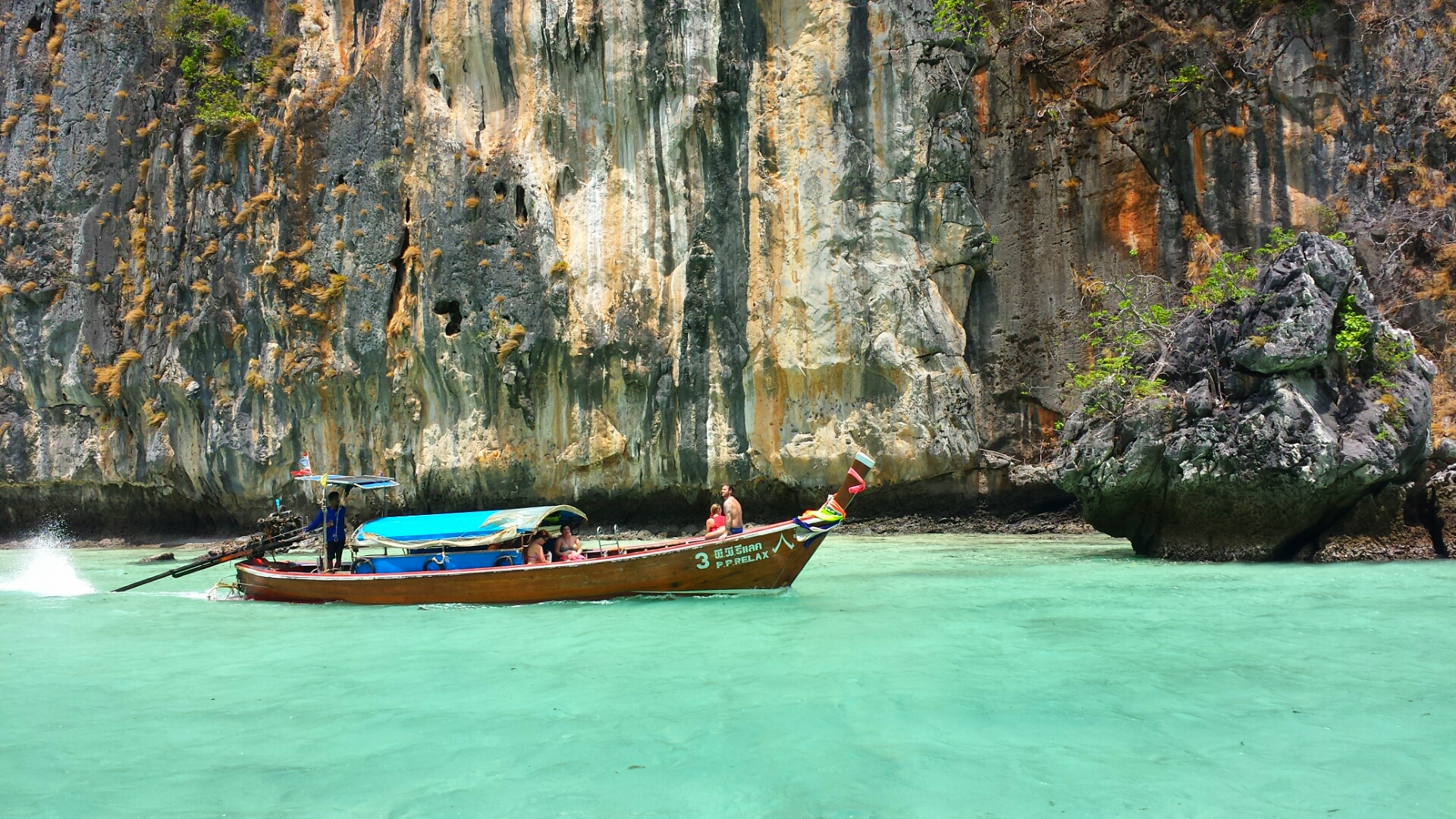12 Reasons Why You Must Visit Thailand